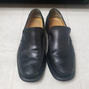 BRUNO MAGLI Black leather slip on dress shoes